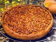 Tarta de piñones, un postre de origen francés.