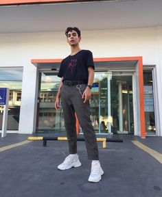80s Fashion, Fashion Killa, Urban Fashion, Fashion Outfits, Dr Martens Black Boots, Urban Style Outfits, Men Photography, Mens Clothing Styles, Aesthetic Clothes