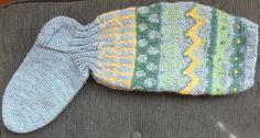 Pistoja ja Piirtoja: Villasukat Gloves, Fashion, Moda, Fashion Styles, Fashion Illustrations, Mittens