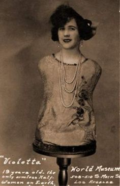 Meet Rosa Violetta (Aloisia Wagner) whom was a sideshow performer in the early Having a talent for singing, using her rather odd appearance, she gained work in various sideshow acts flaunting both her voice and her looks. Old Circus, Vintage Circus, Circus Acts, Paranormal, Ringling Brothers, Sideshow Freaks, Human Oddities, Circus Performers, Foto Real