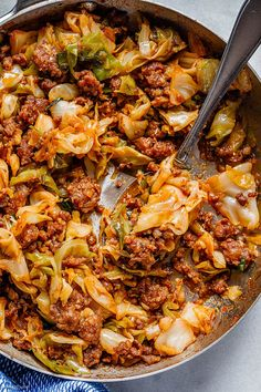 Fried Cabbage Recipe with Sausage - Food Recipe Cabbage Recipes With Sausage, Sausage Recipes, Pork Recipes, Vegetable Recipes, Wine Recipes, Cooking Recipes, Healthy Low Carb Recipes, How To Cook Sausage, Popular Recipes