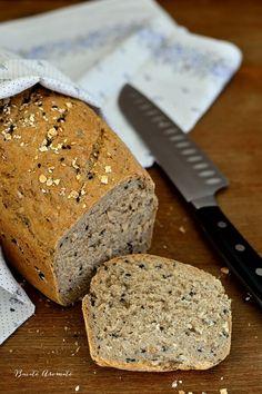 Pâine toast moale și pufoasă, ideală pentru mic dejun și sandvișuri | Bucate Aromate Dessert Drinks, Dessert Recipes, Desserts, Cooking Bread, Yummy Food, Delicious Recipes, Banana Bread, Food And Drink, Breads