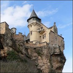 Best not fall out of the window! Beautiful Castles, Beautiful Buildings, Belle France, Gothic Castle, La Dordogne, Huge Houses, French Castles, Castle In The Sky, Chateaus