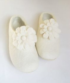 Handmade felt slippers with flowers. All sizes for Women - Winter Fall fashion - White Slippers