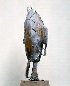krzysztof m. bednarski, moby dock-maska I (postrzępiona), 1989, brąz, drewno
