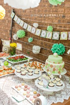 Mint Colored Owl Baby Shower | www.lifeandbaby.com
