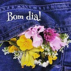 Instagram photo by franximenes_poesia - Deixa florescer o que tá por dentro...! Viva do seu jeito, com as suas alegrias, com os seus defeitos, com as suas qualidades...a vida é sua. Opte todos os dias por sua felicidade!  Bom dia! De: (FranXimenes) _____franximenes_poesia