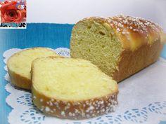 Pan Brioche con Pasta Madre - ottimo a colazione, con burro e confettura,ma anche in semplicità inzuppato nel latte.Accompagna anche affettati e formaggi.