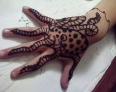 I love this and I think I can do it! Henna For Boys, Henna Animals, Best Lemon Bars, Mehndi Patterns, Jewelry Tattoo, Gifts For Photographers, Square Photos, Red Led, Simple Bags
