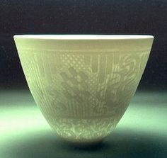 Ceramics by Peter Lane at Studiopottery.co.uk - Autumn 2002. Arabic Garden bowl, Southern Ice porcelain.