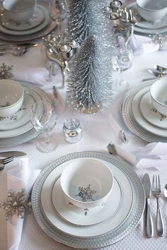 Setting up the Christmas Table Decorations a fun Asian Appeitizer Christmas Tree Table Decorations, Christmas Tree On Table, Silver Christmas Tree, Christmas Table Settings, Christmas Tablescapes, Christmas Centerpieces, Simple Christmas, White Christmas, Christmas Mantles
