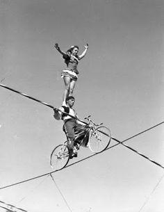 Exploradora de mi propio cuento: ¿En que consiste el equilibrio? Estar en la cuerda...