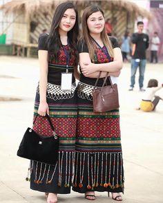 "The Guwahati Times on Instagram: ""Two beautiful Mizo lady in traditional attire. #mizoram #northeastindia"" Traditional Fashion, Traditional Dresses, India Fashion, Korean Fashion, Myanmar Traditional Dress, Thai Dress, Beautiful Asian Girls, Indian Girls, Simple Dresses"