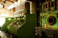 abandoned Chicago power plants « Forgotten Yet Adored Abandoned Churches, Abandoned Places, Chicago Photography, Nature Photography, Church Building, Haunted Places, Old Buildings, Architecture, Plants