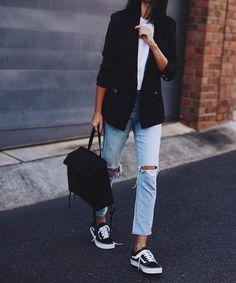 Jeans and blazer | IG: @andicsinger