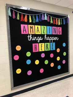 Excellent DIY Classroom Decoration Ideas & Themes to Inspire You 35 Beautiful & Inspiring Classroom Decoration Ideas // Classroom Decor Preschool // Classroom Decorations // Decorate Classroom Classroom Wall Decor, Diy Classroom Decorations, Classroom Walls, Classroom Bulletin Boards, Classroom Design, Classroom Organization, Bulletin Board Ideas For Teachers, Preschool Classroom Decor, Classroom Door Displays