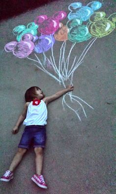 Up, up and away to Disney World! Disney Up, Disney Theme, Chalk Photos, Chalk Design, Sidewalk Chalk Art, Cute Photography, Chalk Drawings, Graffiti Lettering, Diy Art
