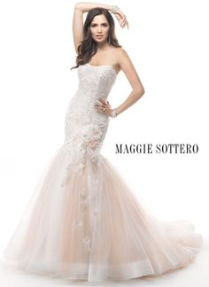 Another stunner from Maggie!!! Comes in all white. ****