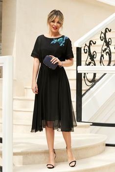 StarShinerS black occasional cloche dress with elastic waist accessorized with tied waistband Baptism Dress, Dress Cuts, Special Occasion Dresses, Size Clothing, New Dress, Elastic Waist, Dress Outfits, Midi Skirt, Curvy