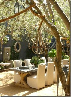 Love this - a girl can dream right?      Photo Credit:  Ann Shumbo via Peggy & Fritz taken at Restoration Hardware - West Hollywood