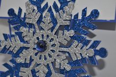 Glittering floating Snowflake Card - Cricut Explore - Count down to Chri...