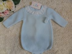 PELELE LANA AZUL CELESTE CON POMPONES | Pardalets - Ropa para tu bebe
