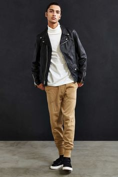 Schott X UO Stonewashed Pebbled Leather Perfecto Jacket - Urban Outfitters