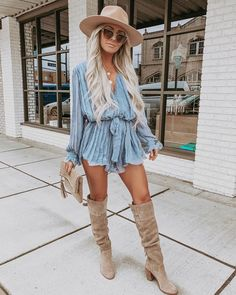 10 Outfit Essentials You Need For Spring Break – Rodeo Outfits, Outfits With Hats, Trendy Outfits, Fashion Outfits, Fashion Tips, Country Music Outfits, Summer Country Outfits, Country Concert Outfit Summer, Summer Cowgirl Outfits
