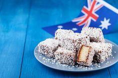 Lamington, slavný australský dezert. Opening A Bakery, Pie Company, Pie In The Sky, Australian Food, Best Meat, Getting Hungry, Pie Cake, Few Ingredients, Afternoon Tea