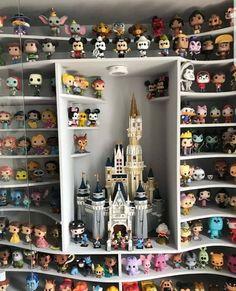 Disney Pop, Casa Disney, Deco Disney, Disney Rooms, Funko Pop Display, Funko Pop Dolls, Disney Home Decor, Pop Collection, Disney And Dreamworks