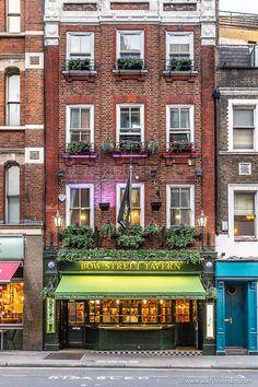 A beautiful pub in Covent Garden, London. Abandoned Mansion For Sale, Abandoned Mansions, London Tours, London Travel, Dubai Miracle Garden, Highgate Cemetery, London Blog, British Pub, Mansion Interior
