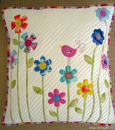 5 Patchwork Cusion Ideas - New Craft Works Applique Cushions, Patchwork Cushion, Sewing Pillows, Quilted Pillow, Applique Quilts, Bird Applique, Quilting Projects, Sewing Projects, Quilting Ideas