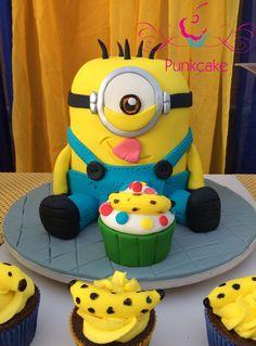 Bolo Artístico  Punkcake / PunkcakePe  Minions party Minions cake