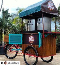 Do Rio de Janeiro RJ essa é a bikechopp da @chopptown   #foodbikebrasil #foodbike #bike #chopp #riodejaneiro #olebikes Food Truck, Beer Bike, Food Cart Design, Bike Food, Bike Cart, Coffee Shop, Bubbles, Food And Drink, Trucks