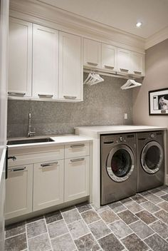 50 Drying Room Design Ideas That You Can Try In Your Home - decortip Laundry Room Layouts, Large Laundry Rooms, Laundry Room Organization, Laundry Room Design, Organization Ideas, Storage Ideas, Storage Solutions, Kitchen Wall Design, Counter Design