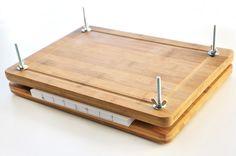 Projekt #30minDIYs - Wie baut man eine einfache Buchpresse aus Schneidebretter - How to build a simple book press using two cutting boards - DIY