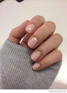 Simple nude manicure style