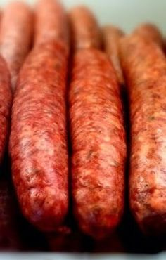 Texas style link sausage, the real homemade stuff, comes in many variations and types. I have been around it all of my life and tried. Pork Sausage Recipes, Homemade Sausage Recipes, Pepperoni Recipes, Bacon Sausage, Venison Recipes, Meat Recipes, Braai Recipes, Cooking Recipes, How To Make Sausage