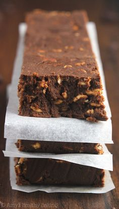 Healthy Mocha Brownie Protein Bars -- super fudgy like brownies! Just 98 calories & almost 13g of protein!
