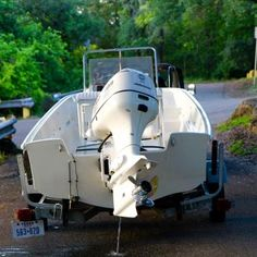 Photo of Boston Whaler Pre Montauk Used Boat For Sale, Boats For Sale, Carver Boats, Boston Whaler Boats, Electrical Fuse, Bow Light, Grand Island, Chris Craft, Used Boats