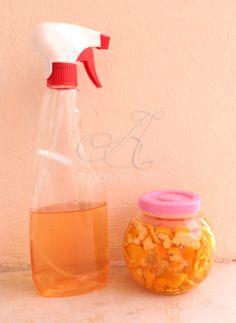 Nettoyant multi-usage pour la maison aux écorces d'agrumes