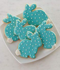 Here's Easter Bunny cookie recipe & an exhaustive list of best decorated Easter bunny cookies. Check cute Easter bunny cookies pictures and inspire yourself Easter Bunny Cookies Recipe, Easter Bunny Cake, Bunny Bunny, Cute Cookies, Cupcake Cookies, Sugar Cookies, Cupcakes, Cookie Favors, Baby Cookies