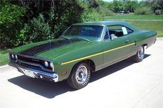 1970 Plymouth Road Runner  (383cu)