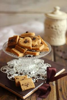 Juditka konyhája: ~ KÁVÉS VAJKARAMELLA ~ Food Festival, Waffles, Cereal, Food Photography, Breakfast, Festive, Candy, Morning Coffee, Waffle