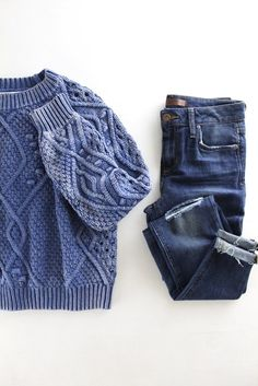 Aged Cable Knit Sweater. Super chunky cable knit. Fall fashion. Casual cute outfits for Fall and Winter. Boutique style. therollinj.com
