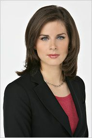 Erin Burnett georgeous american news anchor-all beautiful women and no two are alike. Beautiful Girl Body, Pretty Woman, Beautiful Ladies, American Beuty, Erin Burnett, Female News Anchors, Cnn Anchors, Tv Girls, Black And White
