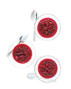 Ukrainian Borscht Heartier than the chilled version, this borscht makes for a satisfying dish, thanks to an addition of short ribs, celery root, and carrots along with the usual beets and cabbage. Beet Recipes, Gourmet Recipes, Cooking Recipes, Healthy Recipes, Celeriac Recipes, Yummy Recipes, Soup Recipes, Healthy Food, Recipes