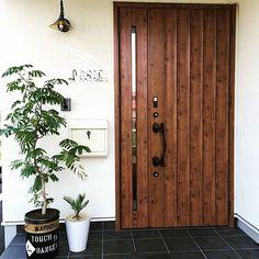「おしゃれな玄関インテリア」ディスプレイ・収納実例40選   RoomClip mag   暮らしとインテリアのwebマガジン