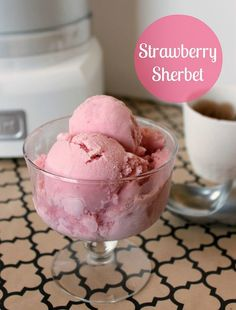 Strawberry Sherbet Adapted from Eating Well 2 cups strawberries, fresh or frozen* cup granulated sugar 2 cups buttermilk cup half & half teaspoon vanilla extract 2 teaspoons fresh lemon juice Pinch of salt Strawberry Sherbet Recipe, Homemade Sherbet Recipe, Sherbet Recipes, Fruit Smoothie Recipes, Strawberry Ice Cream, Strawberry Smoothie, Homemade Ice Cream, Ice Cream Recipes, Sherbet Ice Cream