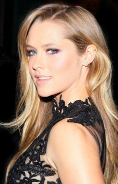 How to get Teresa Palmer's incredible red carpet look!